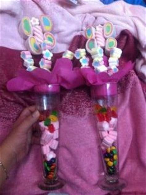 decoracion de bombones para fiestas centros de mesa con dulces para baby shower mesas blog