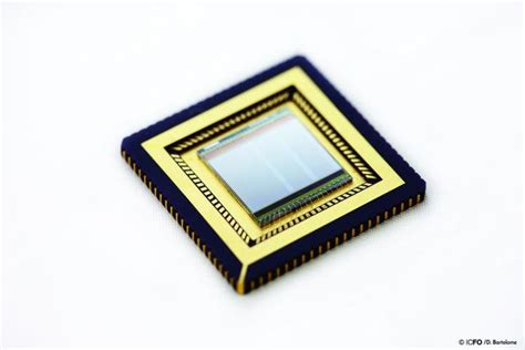 pattern image sensor graphene and quantum dots put in motion a cmos integrated