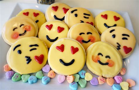 cookie emoji how to emoji sugar cookies the of my