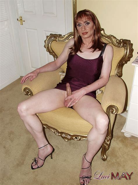 British Amateur Tranny On High Heels Shows Cock Photo 11