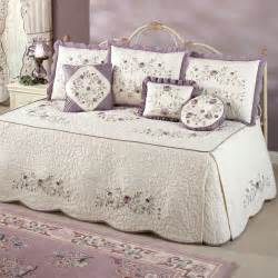 Daybed Cover Sets How Smooth And Comfortable Daybed Covers And Designs Bedroomi Net
