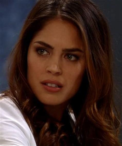 kelly thiebaud pregnant in real life dr obrecht is britt s mother but who is her father