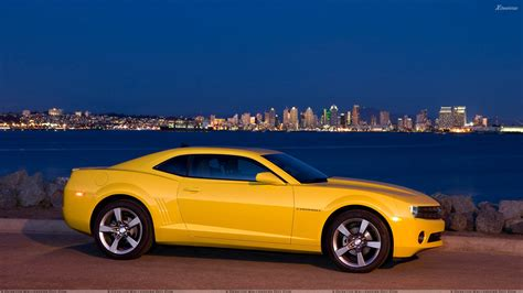 2011 chevrolet camaro side pose in yellow wallpaper