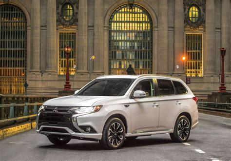 Mitsubishi Hybride 2020 by 2019 Mitsubishi Outlander Phev Top Speed