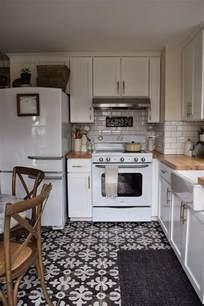retro kitchen flooring ideas bodenfliesen in der k 252 che f 252 r jeden typ und wohnstil 20
