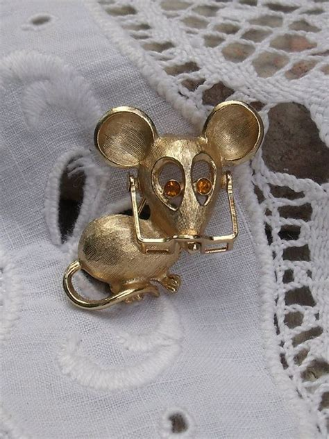 Mouse Avan 1000 images about mouse jewelry on vintage avon adjustable ring and beatrix potter