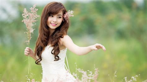 wallpaper girl in nature chinese girls wallpapers hd pictures one hd wallpaper