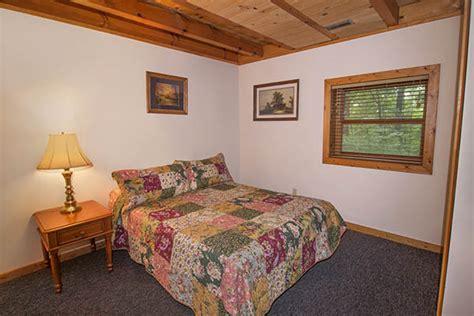 Hummingbird Cabins Hocking by Hummingbird Cabin 3 Bedrooms Sleeping Loft