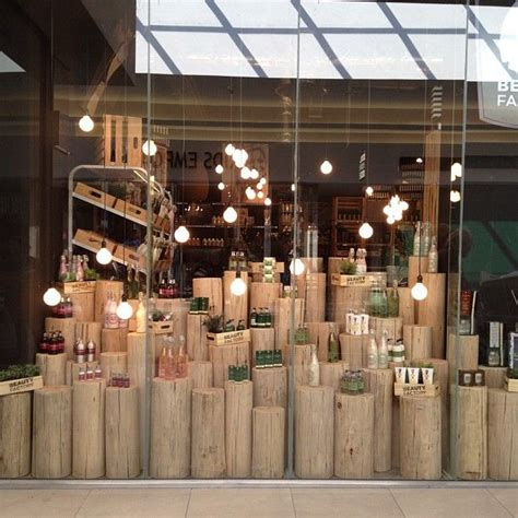 1000 Images About Design Decor Retail On Pinterest Cool Light Displays
