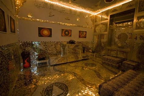 The Living Room Kuwait House Of Mirrors Kuwait Travel Story And Pictures From