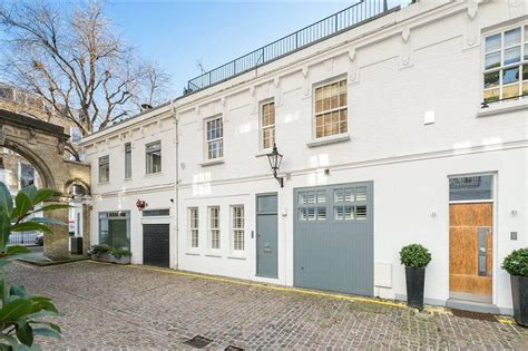 two bedroom house in london 2 bedroom mews house for sale in laverton mews london