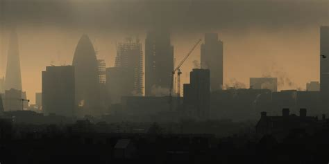 Saharan Rain: 12 Incredible Pictures Of London Shrouded In ...