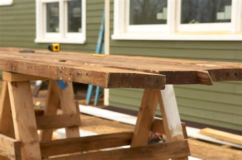 How To Build A Wood Desk by How To Build A Reclaimed Wood Office Desk How Tos Diy