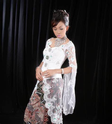 model busana kebaya contoh gambar model pakaian busana kebaya indonesia