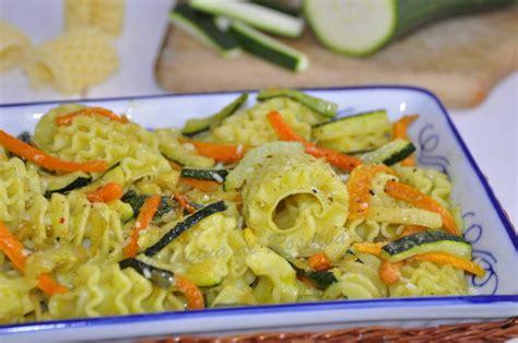 carote come cucinarle pasta con zucchine e carote ricetta la cucina di rosalba