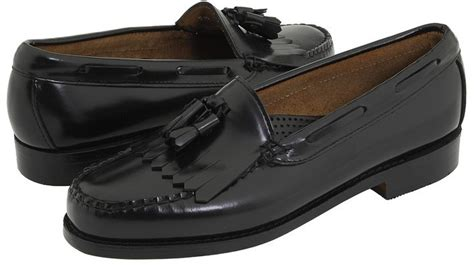 how to rock loafers black leather tassel loafers bass layton kiltie tassel