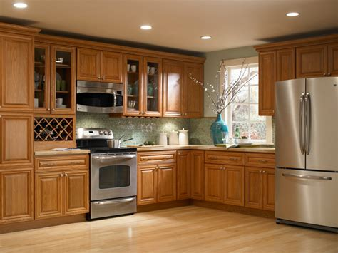 Oak Kitchen Cabinets by Findley Amp Myers Beacon Hill Red Oak Kitchen Cabinets