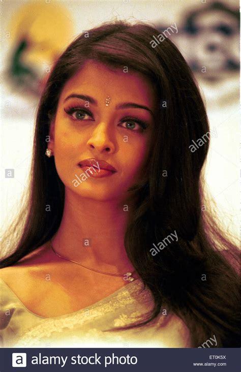 film india terbaru aishwarya rai indian film actress aishwarya rai bachchan in attentive