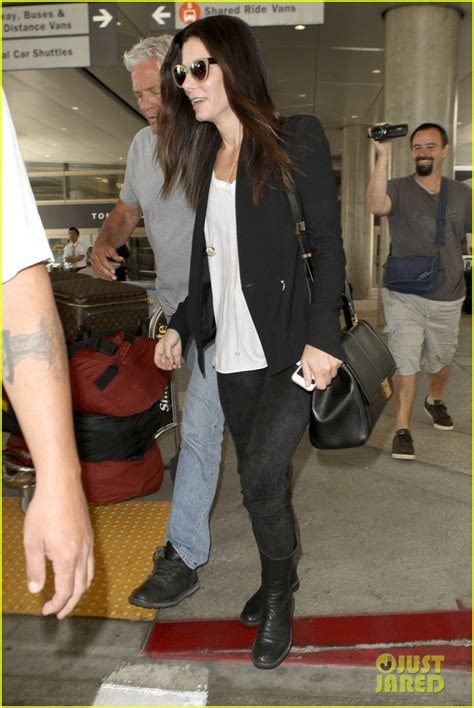 sandra bullock lax airport 05 sandra bullock louis land at lax after australia trip