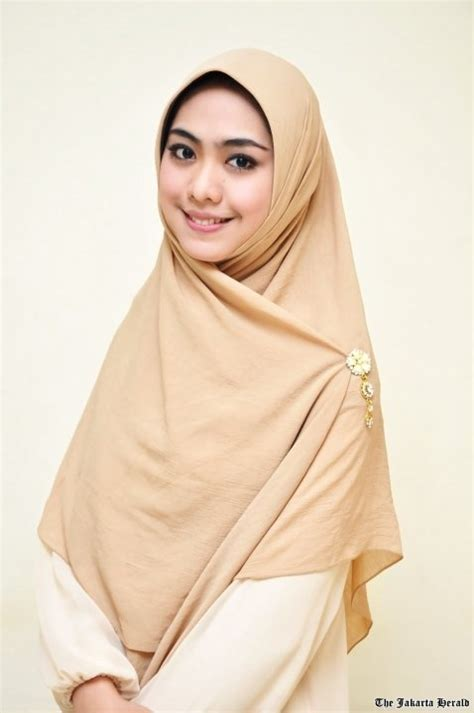 Fashion Muslim Scarf Jilbab Pashmina Instant Arzety plain dress and square scarf equals pretty syar i