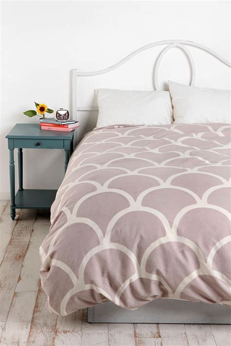 And White Bed Covers Sted Scallop Duvet Cover Urbanoutfitters Maybe White