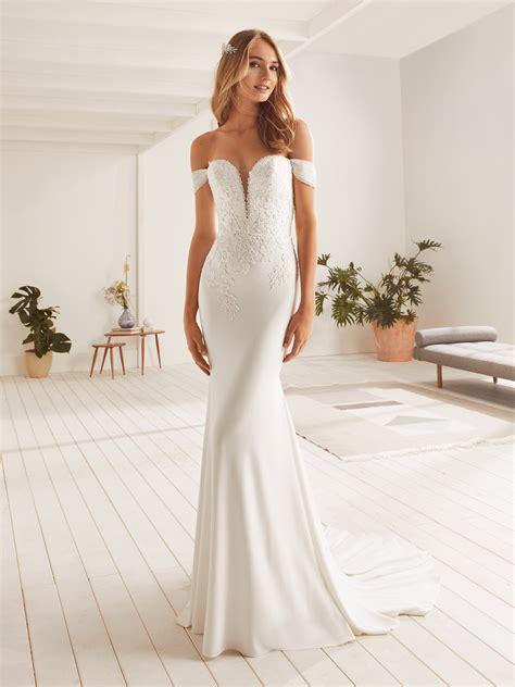 octa wedding dress sleeveless   neck  straps