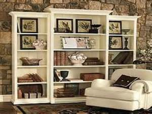 Decorating Built In Bookshelves Decorating A Log Cabin Decorating Bookshelves Without