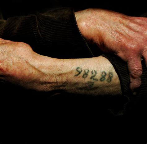 junge israelis holocaust erinnerung f 252 r immer in haut