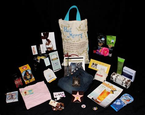 Whats In The Mtv Awards Goodie Bags by 2011 Mtv Awards Nominees Gift Bag Swag Bag