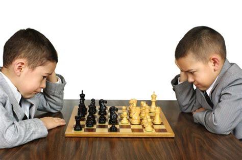 imagenes niños jugando ajedrez el ajedrez como entrenamiento para fortalecer nuestra