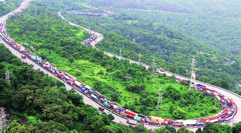 Expressway in slow motion, Mumbai-Pune traffic comes to a ...