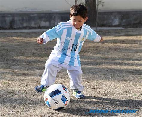 Baju Bola Messi akhirnya murtaza terima hadiah jersi daripada messi