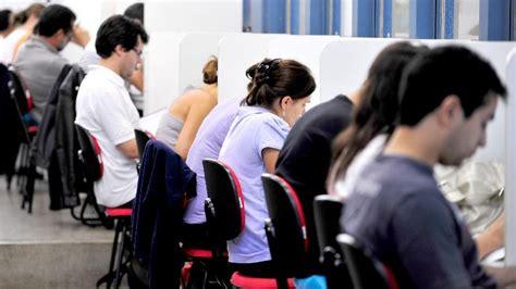nao vim a brasilia para fazer estagio de cargos diz helder educa 231 227 o rejeita atualiza 231 227 o de bolsa de est 225 gio pelo ipca