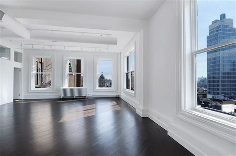 empty apartment bedroom and new york city apartments kristen wiig lists ny apartment today com