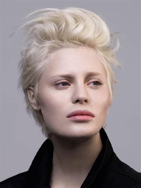 ideas for styling short hair glossy hair styling ideas for short hair