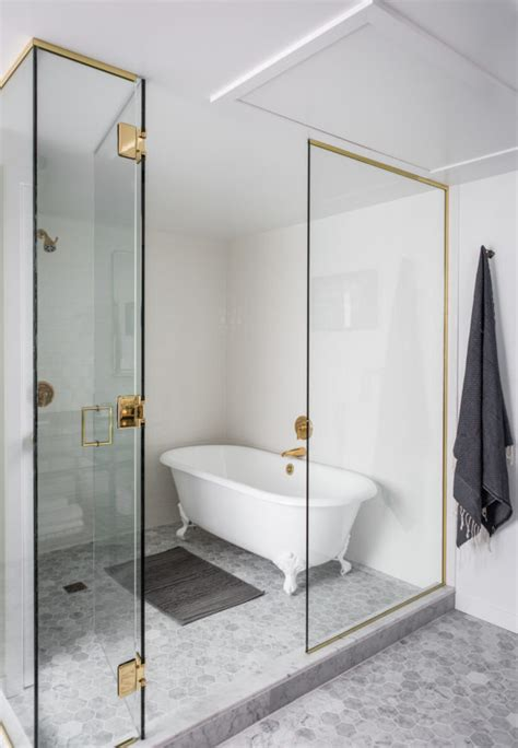 hotels with walk in bathtubs wanderlust wednesday this seattle hotel is a charmer