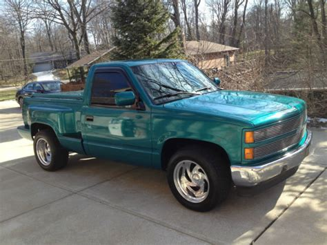 how can i learn about cars 1993 chevrolet suburban 1500 parking system 1993 chevrolet silverado mark iii luxury pickup excellent condition low miles
