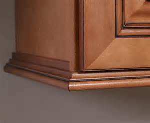 Kitchen Cabinet Top Molding by 25 Best Ideas About Cabinet Molding On Pinterest
