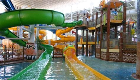 theme hotel ohio 20 incredible indoor water parks in the u s and canada