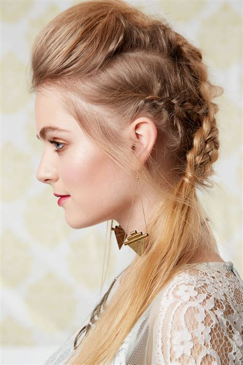 cute hairstyles celeb news fun quizzes and teen fashion 9 cute easy hairstyles the best hairstyles for dirty hair