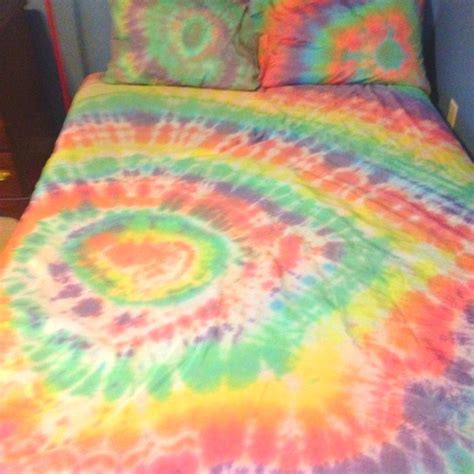 25 best ideas about tie dye sheets on tie dye