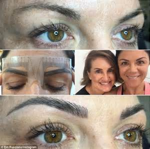 tattoo eyebrows daily mail em rusciano gets eyebrow feathering tattoo daily mail online