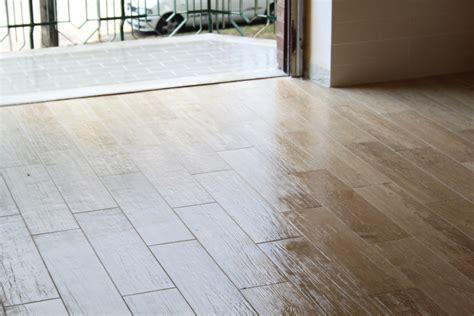 pavimenti finto parquet foto finto parquet piastrelle di ristrutturazioni mario