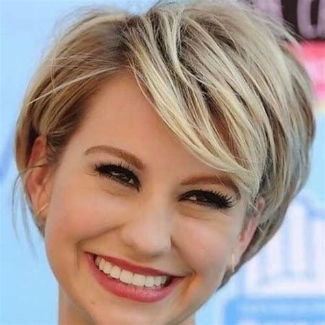 good haircuts for thick hair round face short wavy hairstyles for round faces and thick hair