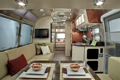 Airstream Interior Design by Going Cing Stillplayinghouse