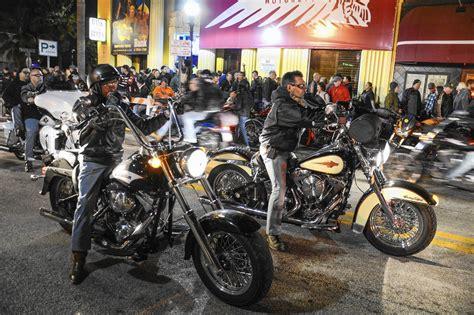 dinner on a boat daytona motorcycles music and meals on daytona s main street