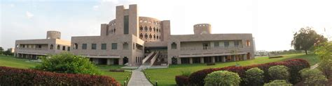 Isb Mba Fee Structure by Fees Structure And Courses Of Indian School Of Business