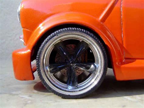 Diecast Miniatur Mobil Morris Mini Cooper 1275s Mk 1 Mokit Green mini cooper kit et wheels 13 inches burago