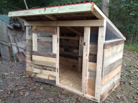 Cheap Garage Plans by How To Build A Pallet Chicken Coop 20 Diy Plans Guide