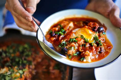 world s best breakfast recipe shakshuka aka tomato eggs youtube